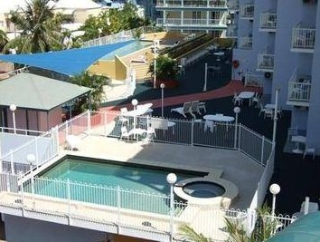 Cullen Bay Serviced Apartments - Redcliffe Tourism