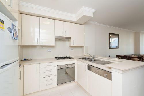 Astra Apartments - Chatswood - Redcliffe Tourism