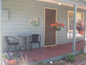 Waterfall Cottage - Redcliffe Tourism