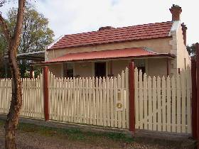 Getaway Cottage - Redcliffe Tourism