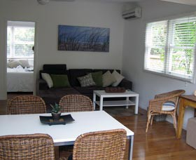 Seaside Cottage - Redcliffe Tourism