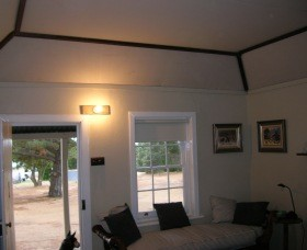 Coonie Cottage - Redcliffe Tourism