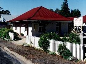 Cobb amp Co Cottages - Redcliffe Tourism