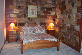 Endilloe Lodge Bed And Breakfast - Redcliffe Tourism