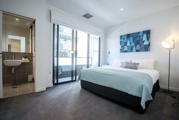 Apartment2c - Highline - Redcliffe Tourism