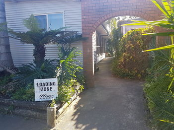Bentley Waterfront Motel amp Cottages - Redcliffe Tourism