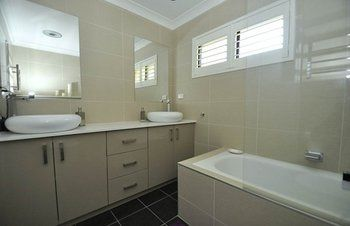 North Ryde 2 Font Furnished Apartment - Redcliffe Tourism