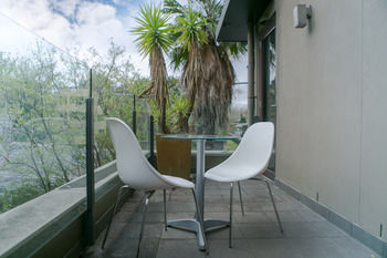Comfy Kew Apartments - Redcliffe Tourism