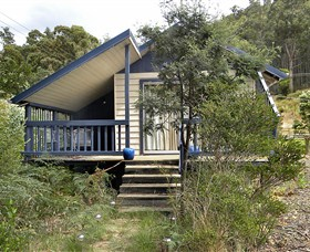 Huon Charm Waterfront Cottage