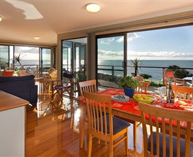 Boat Harbour Beach House - The Waterfront - Redcliffe Tourism