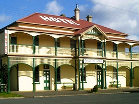 Imperial Hotel - Redcliffe Tourism