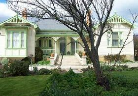 Mayfield Manor - Redcliffe Tourism
