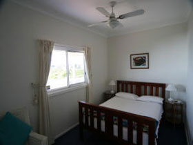 Beachside Cottage - Redcliffe Tourism