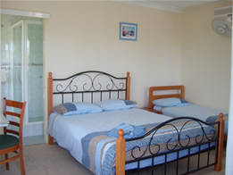 Beale's BedFish  Breakfast - Redcliffe Tourism