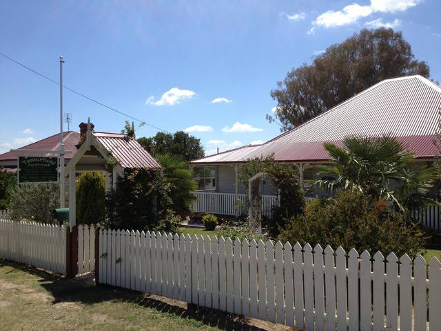 Tenterfield Luxury Historic c1895 Cottage