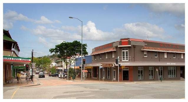 The Royal Hotel - Redcliffe Tourism