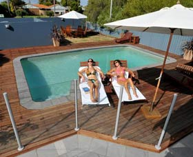 Waikiki Beach Bed and Breakfast - Redcliffe Tourism
