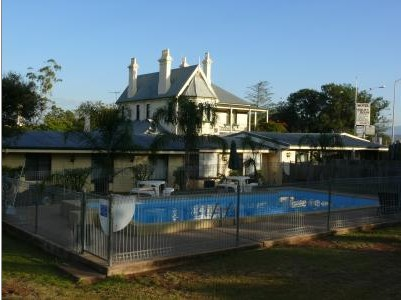 Airlie House Motor Inn - Redcliffe Tourism