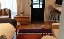 Milo's Bed and Breakfast - Redcliffe Tourism