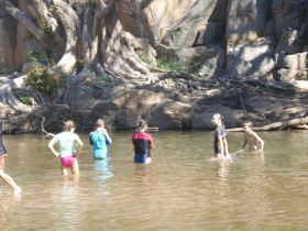 Murphys Creek Escape - Redcliffe Tourism