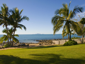 Waterfront Getaway - Redcliffe Tourism