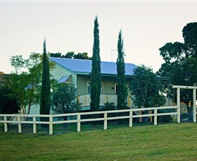 Milford Country Cottages - Redcliffe Tourism