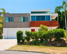Hilltop Mansion Gold Coast - Redcliffe Tourism