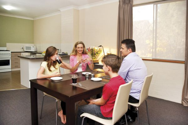 Oxley Court Apartments - Redcliffe Tourism