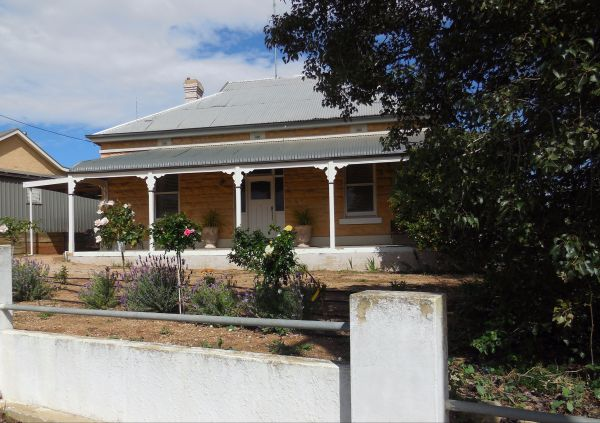 Book Keepers Cottage Waikerie - Redcliffe Tourism