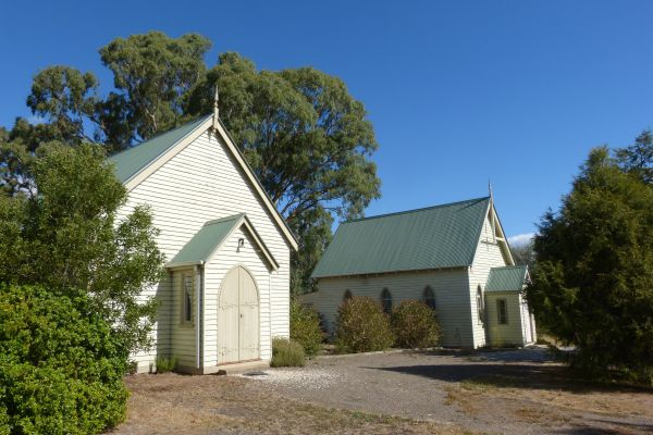 Churches of Yarck - Redcliffe Tourism