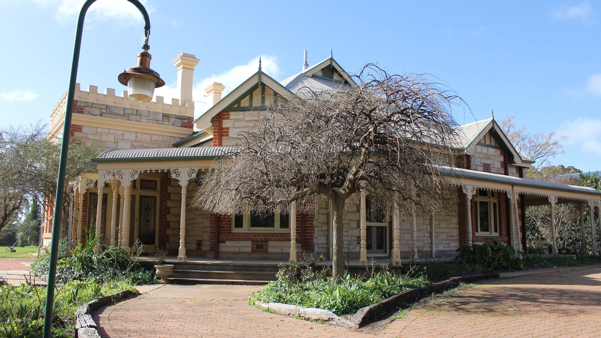 Cockburn House - Redcliffe Tourism
