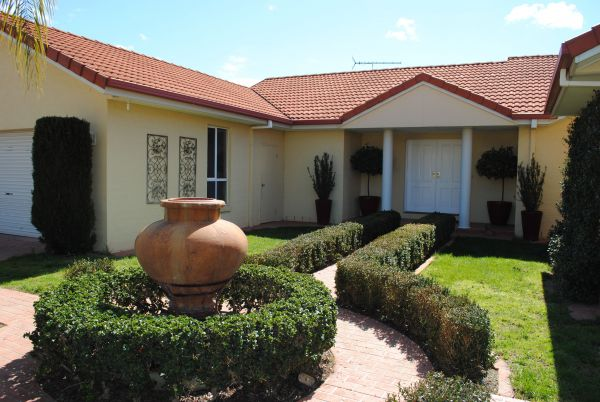 Casa Pizzini Bed and Breakfast - Redcliffe Tourism
