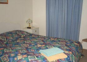 Carn Court Holiday Apartments - Redcliffe Tourism