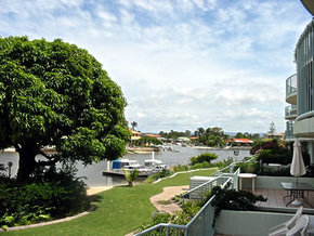 Runaway Cove Luxury Apartments - Redcliffe Tourism