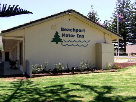 Beachport Motor Inn - Redcliffe Tourism