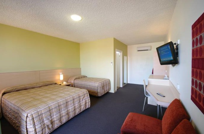 Adelaide Road Motor Lodge - Redcliffe Tourism