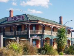 Streaky Bay Hotel Motel - Redcliffe Tourism