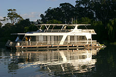 Whitewater Houseboat - Redcliffe Tourism