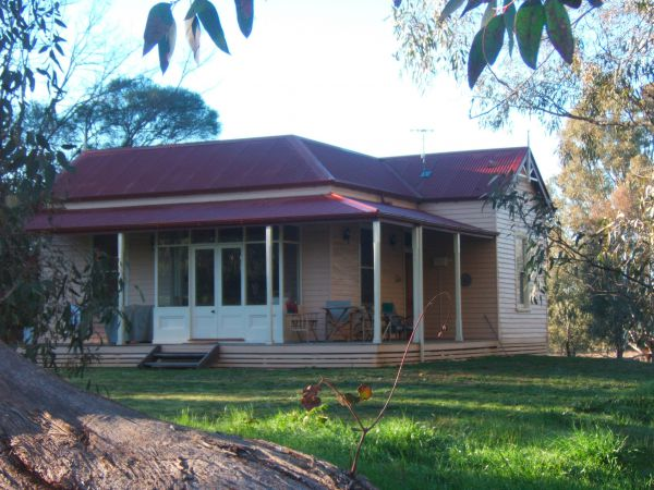 Baranduda Homestead BB Cottages - Redcliffe Tourism