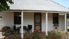 Davidson Cottage on Petticoat Lane - Redcliffe Tourism