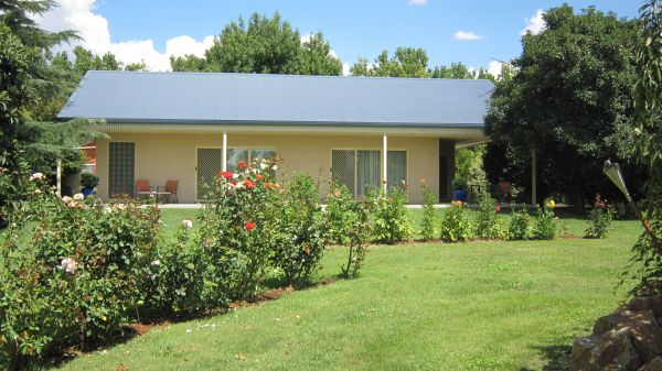 Cottonwoods Accommodation - Redcliffe Tourism