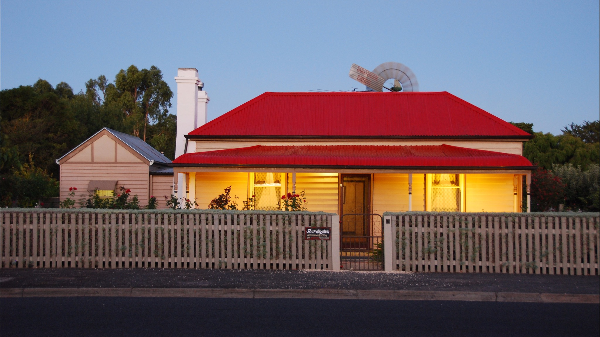 Shurdingtons Cottage - Redcliffe Tourism