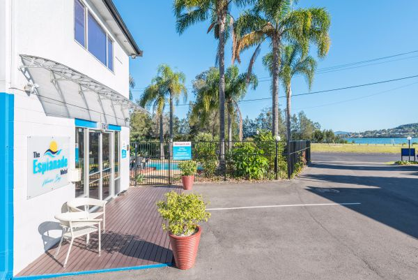 The Esplanade Motel - Redcliffe Tourism