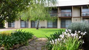 Coonawarra Motor Lodge - Redcliffe Tourism