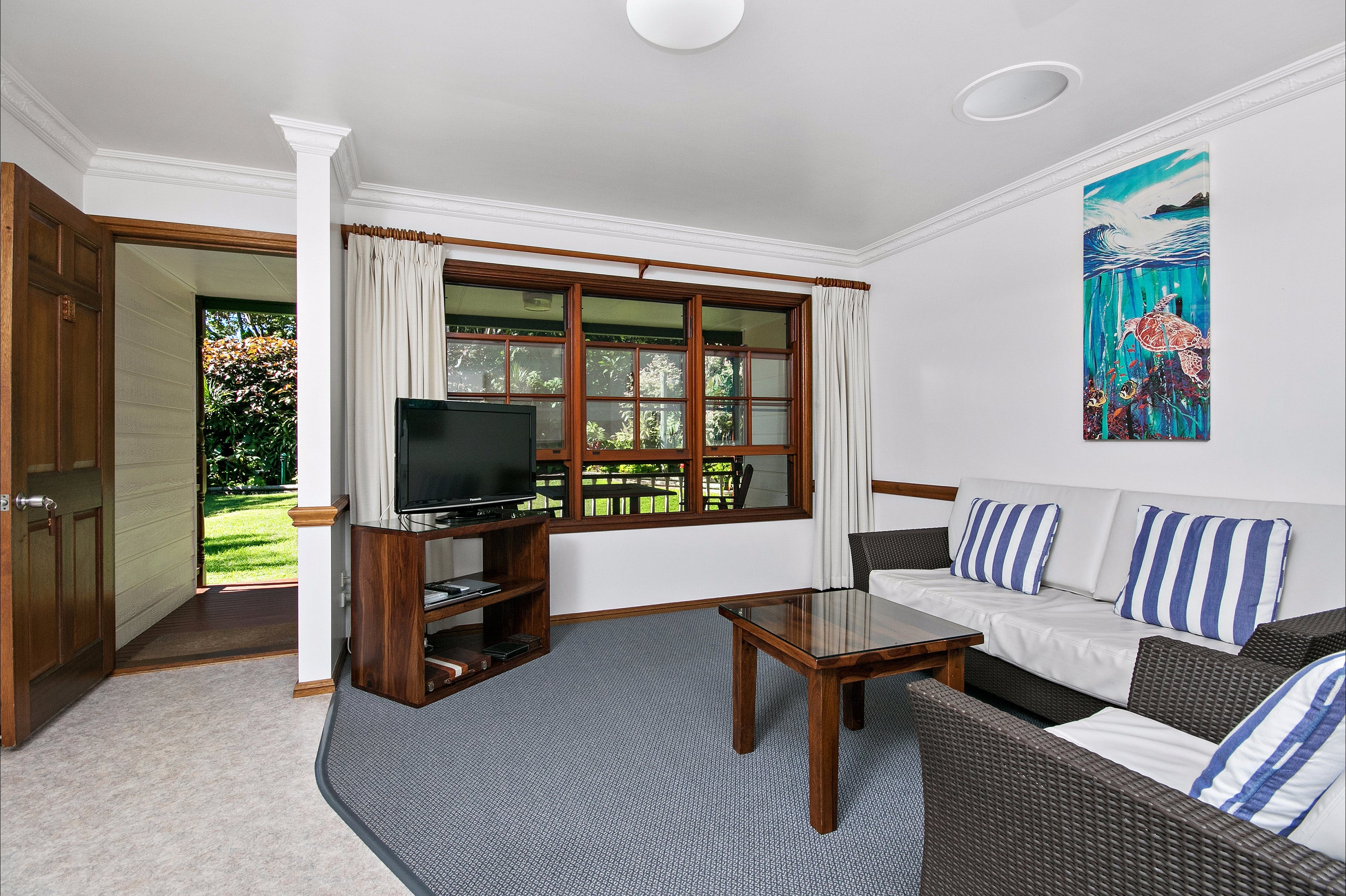 Lorhiti Apartments - Redcliffe Tourism