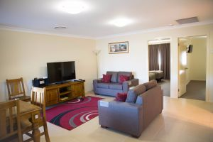 Scone Motor Inn and Apartments - Redcliffe Tourism
