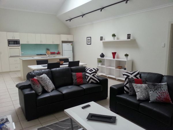 Studio One Accommodation - Redcliffe Tourism