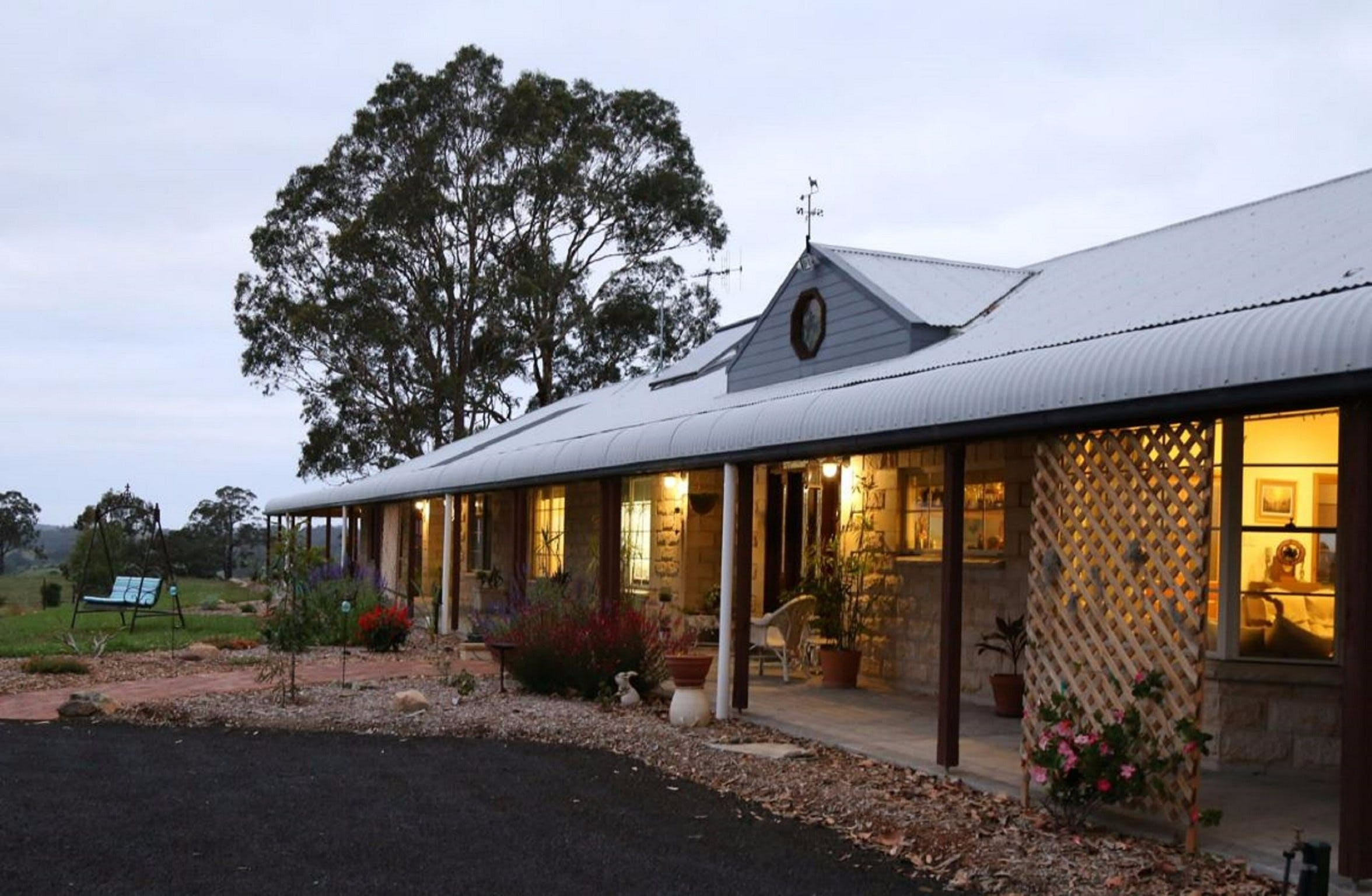 BellbirdHill Bed and Breakfast - Redcliffe Tourism