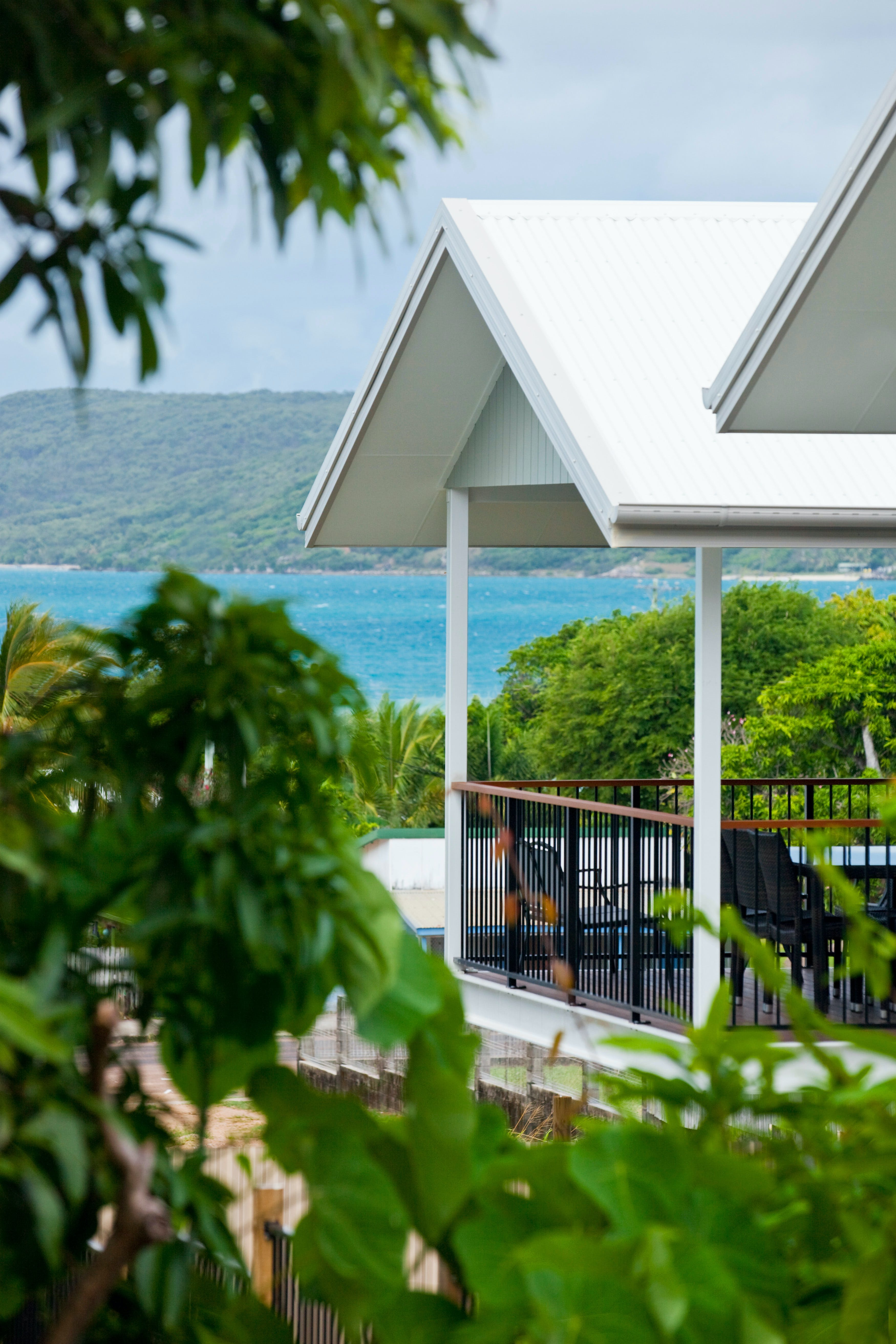 Island Villas and Apartments - Redcliffe Tourism