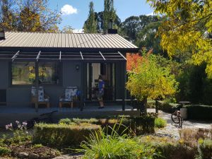 Mountain River House - Redcliffe Tourism